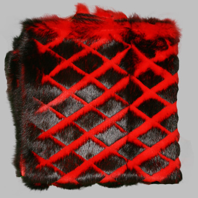 RABBIT FUR BLANKETS / PLATES - RED-BLACK CARVED