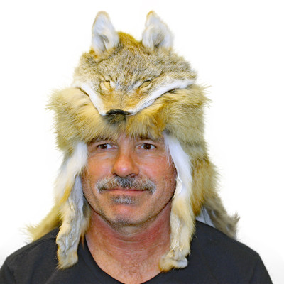COYOTE FUR MOUNTAIN MAN HAT WITH CAPE