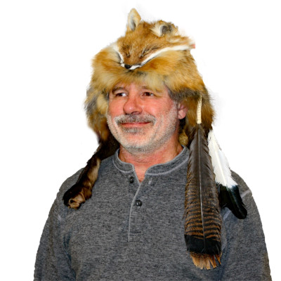 RED FOX FUR MOUNTAIN MAN HAT (FEATHERS AND ROSETTE)